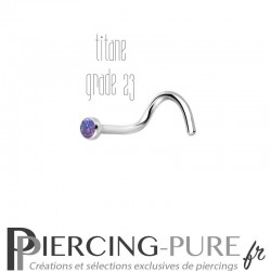Piercing Nez Titane et opale rose violette