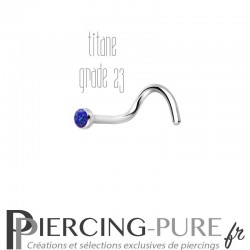 Piercing Nez Titane et opale bleu foncée