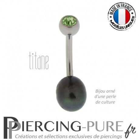 Piercing Nombril Perle de culture noire et Titane - cristal vert
