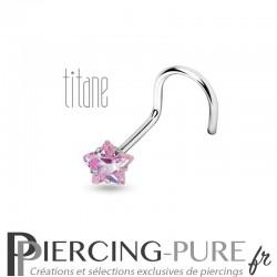 Piercing Nez Titane étoile rose griffée