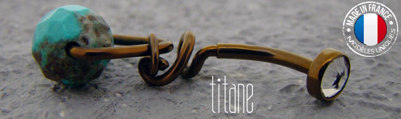 Piercing nombril titane